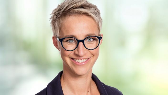 Nadine Schön Portrait